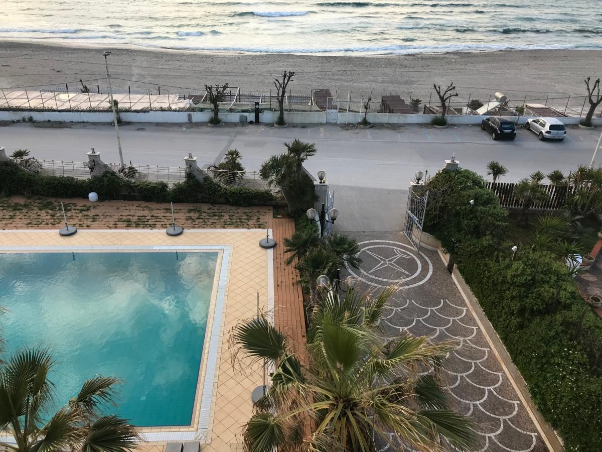 day one in sicily: isola dellefemmine